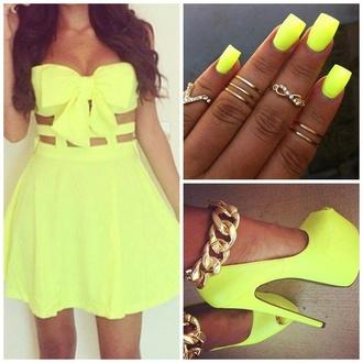 yellow yellow dress yellow nailpolish infinity dress neon rings and tings