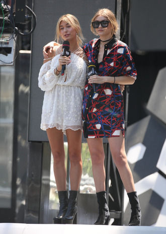 dress gigi hadid celebrity model hailey baldwin mini dress printed dress romper white romper romantic boots black boots sunglasses black sunglasses