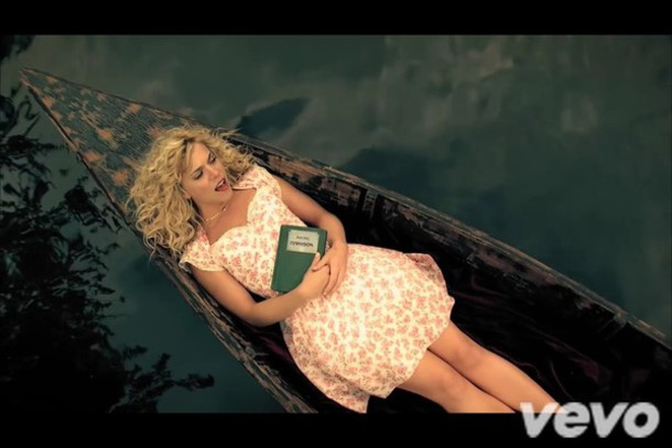 dress if i die young video the band perry gloves