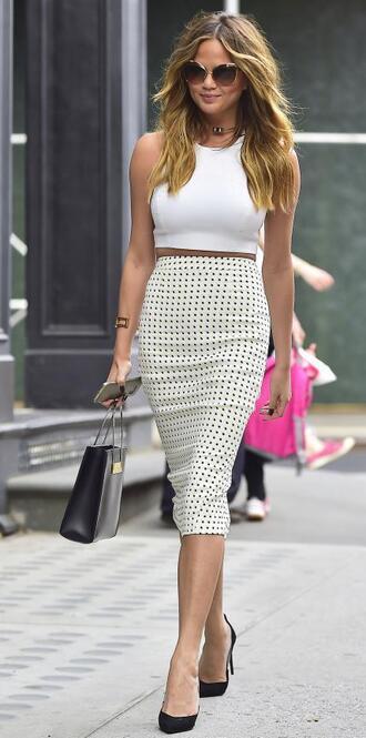 skirt top pencil skirt midi skirt chrissy teigen pumps shoes