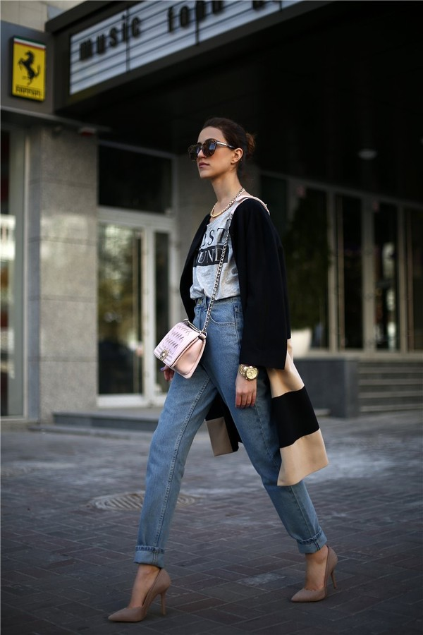 tina sizonova coat jeans bag shoes jewels t-shirt