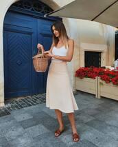 shoes,brown shoes,slide shoes,brown slides,skirt,midi skirt,top,white top,bag,basket bag