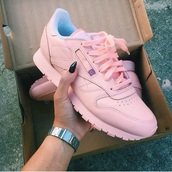 shoes,pink,Reebok,reebok classic,reebok classic leather,pink sneakers,blush pink shoes