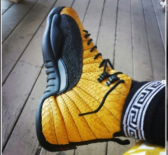 shoes yellow black shoes jordans snake skinn snake sneakers