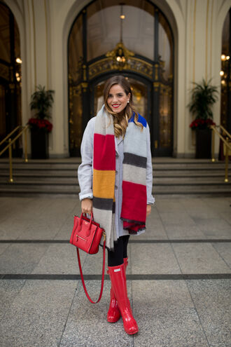 gal meets glam blogger scarf colorblock red bag winter outfits coat dress shoes bag tights jewels make-up