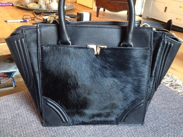 bag fur black