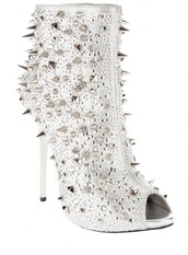 shoes,gianmarco lorenzi,spikes,ankle boots,white