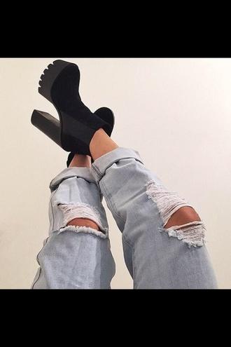 black swimwear blacknwhiteshirt black boots