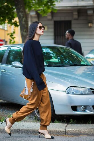 shoes chanel mules tumblr streetstyle brown pants pants rust bag top black top sunglasses black sunglasses