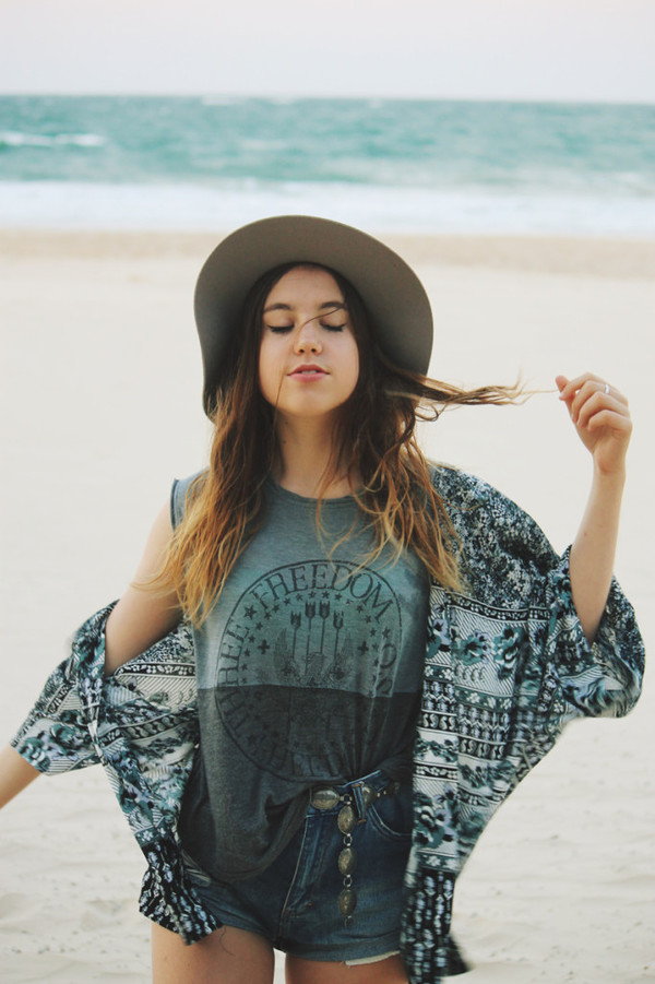 views of now blogger t-shirt summer outfits boho folk print cardigan hat skirt shorts shirt grey t-shirt