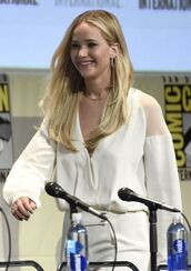 jumpsuit,jennifer lawrence,white,blouse,comic con,celebrities in white