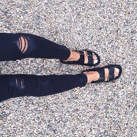 shoes black leather sandals ripped jeans sandals birkenstocks jeans double buckle cute birkenstocks summer outfits summer shoes leopard shoes silver bild bold classy birkenstock sandals black sandals black birkenstocks print alexa chung olsen sisters ripped