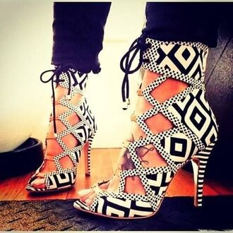 shoes heels fashion black and white