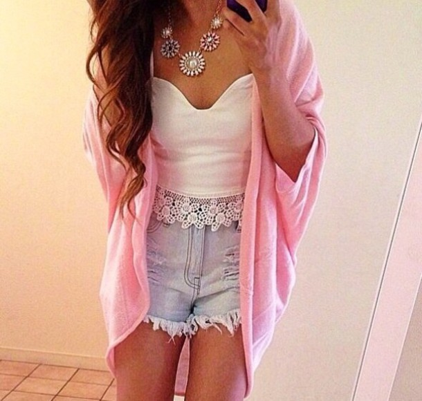 coat shorts tank top jewels sweater heart pink hippie sweet baby pink cute trendy trendy short blue white jewelry top shirt pattern comfy comfysweater t-shirt lace tank top crop tops cardigan mid-length High waisted shorts summer outfits crop tops clothes ariana granda flowy necklace bustier white top white crop tops crop lace top