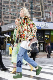 jeans,embroidered jeans,zanita,top blogger lifestyle,blogger,streetstyle,blue jeans,top,white top,embroidered jacket,floral jacket,jacket,bag,white bag,fringed bag,green shoes,shoes