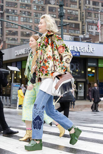 jeans embroidered jeans zanita top blogger lifestyle blogger streetstyle blue jeans top white top embroidered jacket floral jacket jacket bag white bag fringed bag green shoes shoes