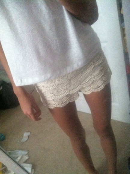 white crochet crochet shorts lace flowered shorts floral boho indie pretty girly summer