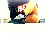 shoes,nike,girl,black,red,sweater,obey,sweat obey,sneakers