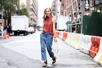 framboise fashion blogger boyfriend jeans sleeveless