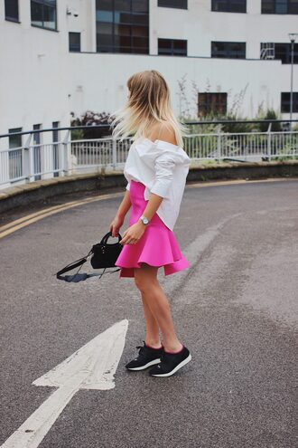 skirt black sneakers tumblr mini skirt pink skirt shirt white shirt off the shoulder off the shoulder top sneakers bag shoes