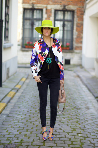 from brussels with love blogger jacket floral jacket spring