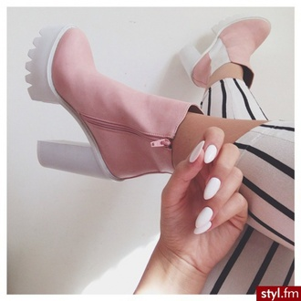 shoes pink heels pink and white white and pink white pink boots booties pink boots pink shoes heels high heels chunkyboots girls sneakers booties shoes girly dress pink dress india love adidas wings nike running shoes high waisted shorts chunky heels nail polish