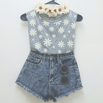tank top daisy top daisy cute floral summer outfits grey shirt sunglasses top channing tatum run flower crown similar shorts daisys high waisted shorts t-shirt outfit denim blue headband blouse floral blouse
