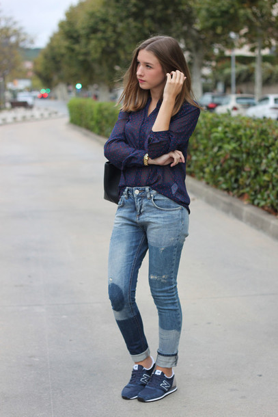 say queen blouse jeans bag shoes