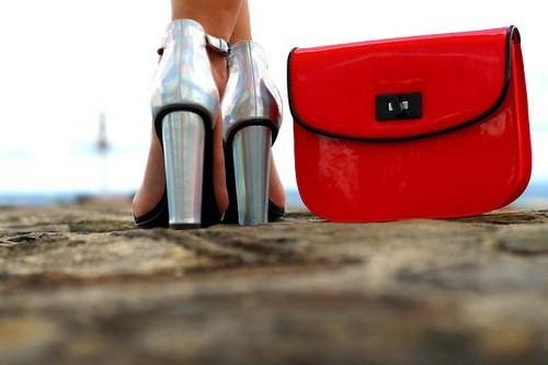 Shop @ Um Blog Fashion                  - Zara | Sandálias prata