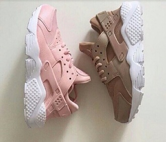 shoes air huarache nike pink rose cute shoes sneakers