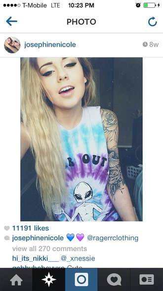 t-shirt soft grunge grunge tumblr tumblr girl tie dye goth hipster hipster pastel goth alien cute crop tops top shirt far out alien far out tie dye shirt