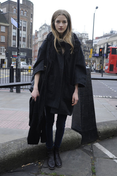 coat black black coat fashion london women girl beautiful hair bus fashion week little black dress