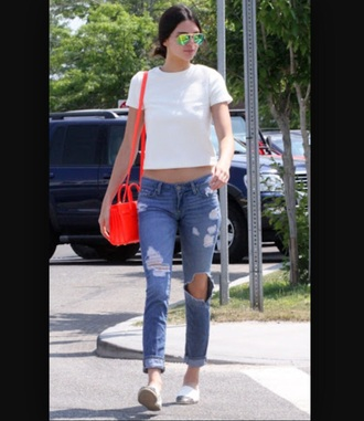 shoes kendall and kylie jenner kendall jenner slip on shoes white shoes casual style streetwear streetstyle top jeans