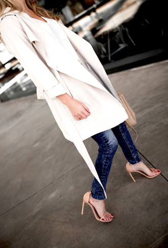 krystal schlegel blogger jeans shoes coat t-shirt bag sunglasses high heel sandals sandals handbag tumblr white coat trench coat white t-shirt denim blue jeans sandal heels nude sandals spring outfits