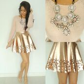 skirt,gold,style,preppy,prep,jewels,sweater,skater skirt,embroidered,necklace,statement necklace,gold skirt