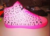 shoes,pink,t-rawww,leopard print