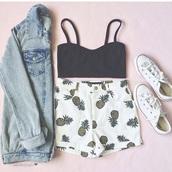 shorts,pineapple shorts,pinneapples,white,High waisted shorts,cute,spring,fashion,jacket,shirt,whie shorts,high waister