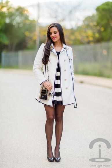 paris crimenes de la moda blogger bag flare skirt striped skirt trench coat