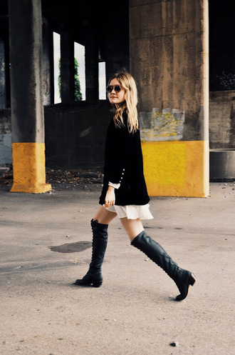 kirby joanna blogger black blazer black boots