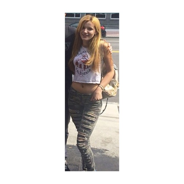 jeans ripped skinny jeans bella thorne ripped jeans destroyed skinny jeans ripped jeans t-shirt bag