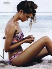 swimwear,floral bikini,floral,bikini,heart,flowers,hot,tan,girl,beach,hair,hairstyles,top,underwear,elle,magasin,bikini bottoms,bikini top,bikini/underwear