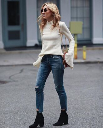 top roung tumblr white top bell sleeves bell sleeve sweater denim jeans blue jeans skinny jeans cropped jeans boots black boots ankle boots high heels boots pointed boots sunglasses streetstyle fall outfits pointed toe boots french girl style