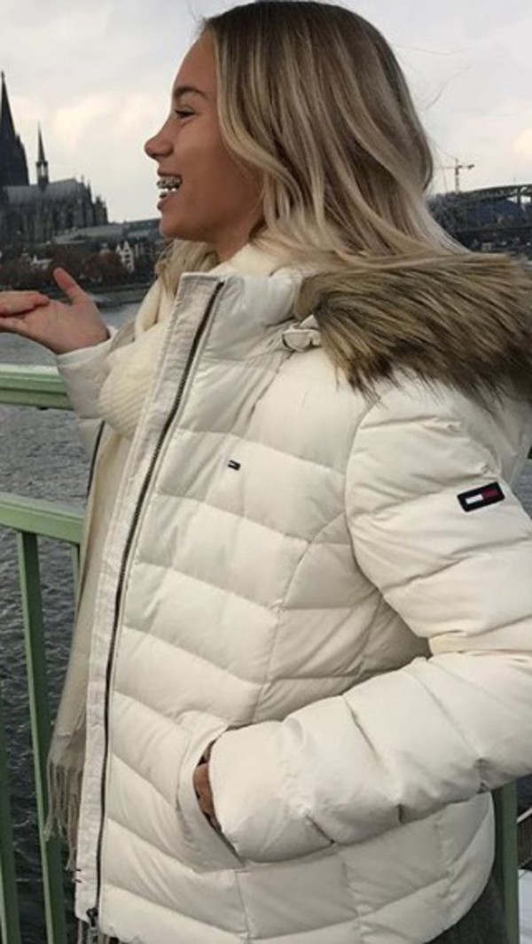 jacket tommy hilfigher white cute winter outfits beautiful sweet lisaandlena lisa and lena tommyhilfigher tommy hilfiger jacket