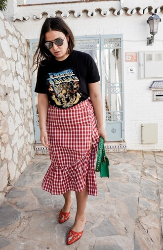 skirt blogger gingham gingham skirt wrap ruffle skirt t-shirt band t-shirt vintage t-shirt slippers clutch blogger style