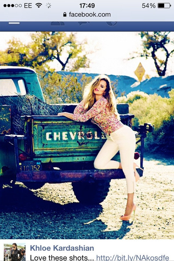 shirt floral khloe kardashian kardashians jeans