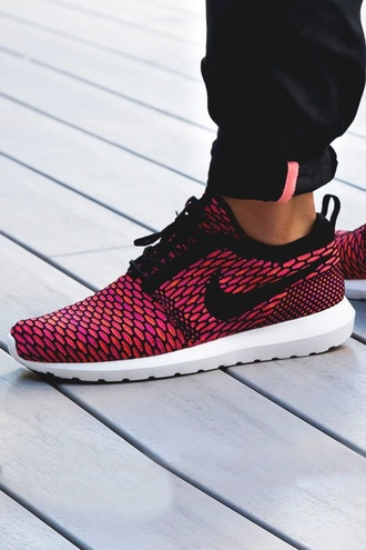 shoes nike running shoes pink shorts lizard coral nike roshe run woman