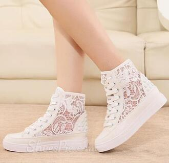 shoes sneakers lace sneakers sneakers with lace white sneakers white white shoes lace white lace white lace shoes lace shoes