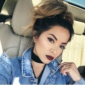 make-up,tumblr,fall makeup look,dark lipstick,lipstick,lips,eyebrows,eyeliner,ombre,hairstyles,choker necklace,black choker,necklace,pretty,jewelry