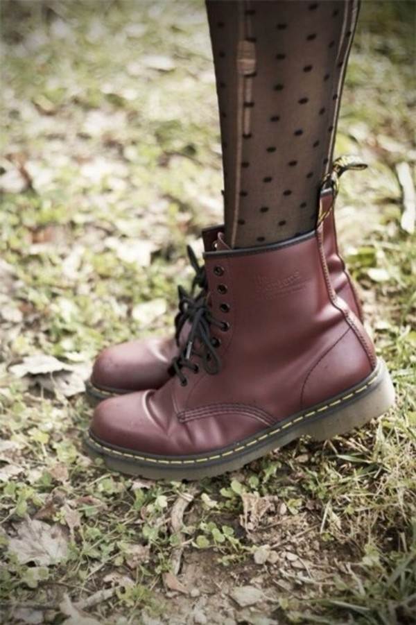 shoes burgundy boots tights red shoes docmartens dark red