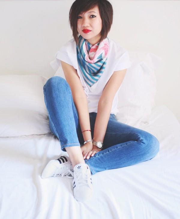 le monde de tokyobanhbao scarf t-shirt jeans make-up jewels shoes shirt